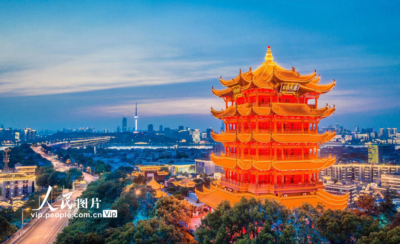 湖北武汉:黄鹤楼恢复常态开放