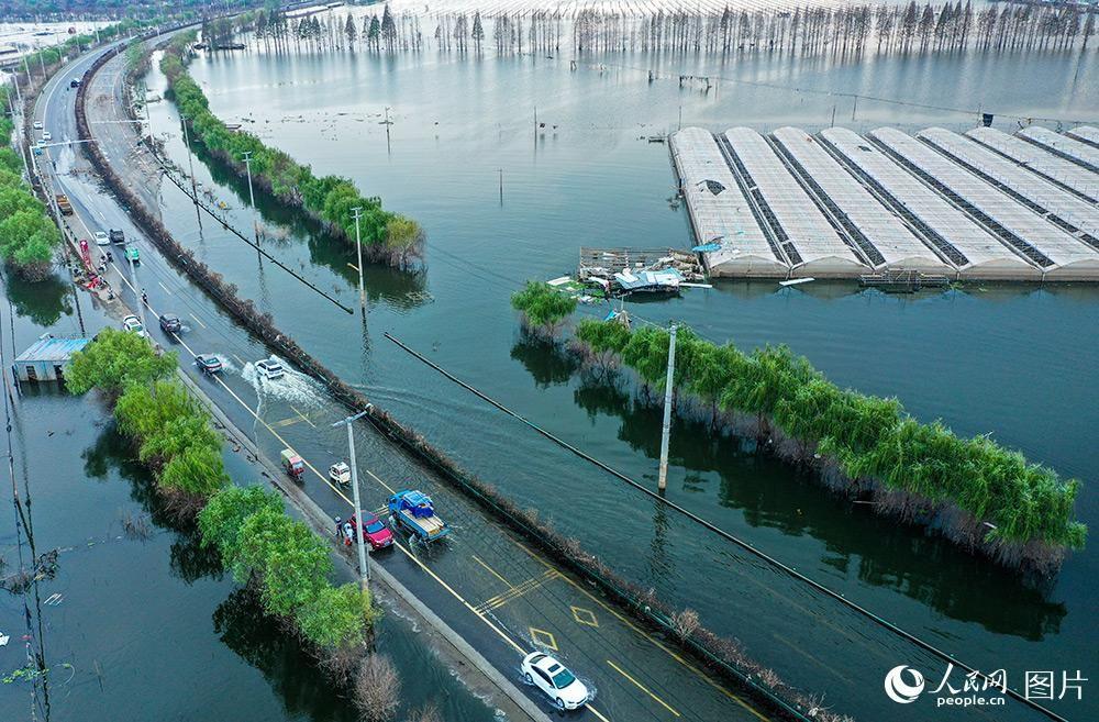 安徽庐江:国道G330水淹路段全部出水