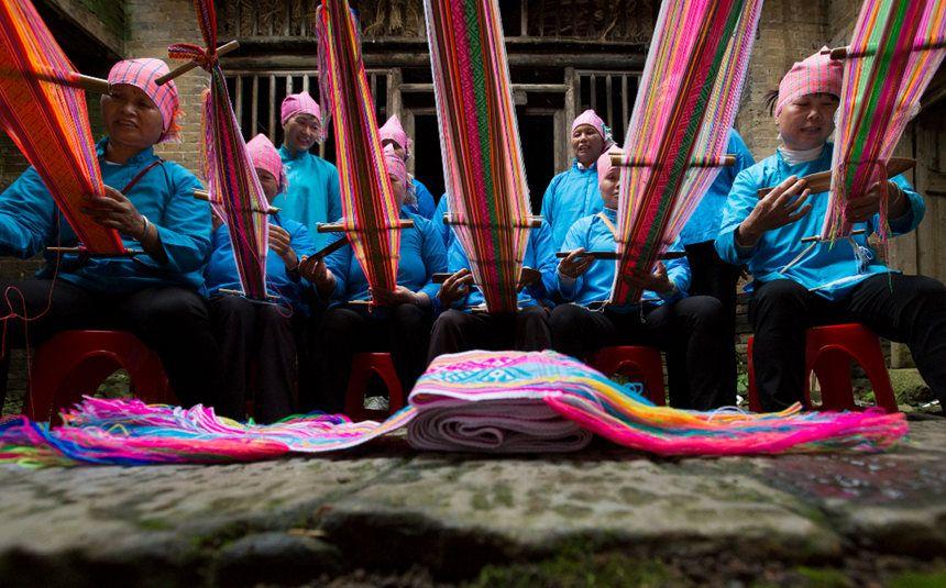 广西富川:瑶族织锦技艺活态传承