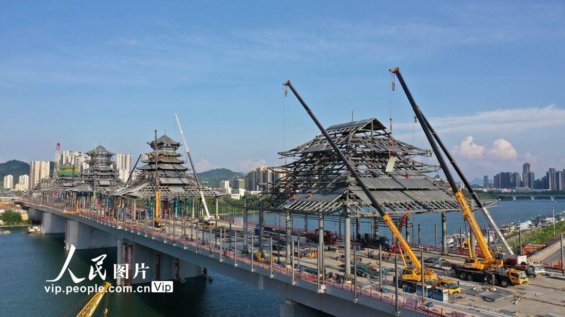 广西柳州:凤凰岭大桥主体结构完工